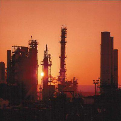 tramonto-raffineria